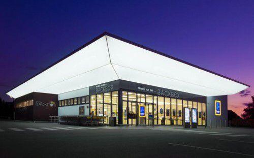 Die neue Filiale des Diskonters Hofer in Höchst, die am Donnerstag eröffnet wird, punktet mit umweltschonender Filialtechnik.