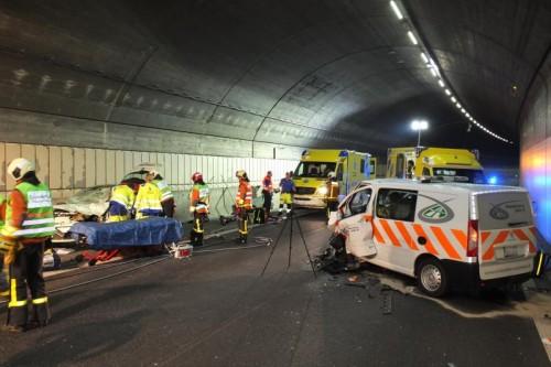 Ein Lieferwagen, der am Unfall beteiligt war.