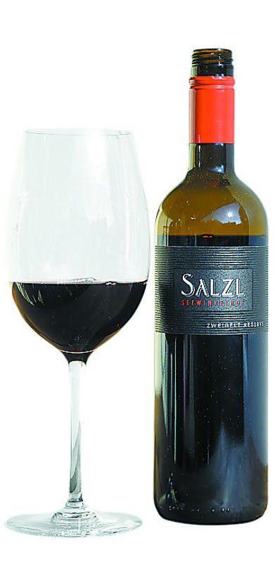 Ein Rotwein in leuchtend tiefem Rubinrot.
