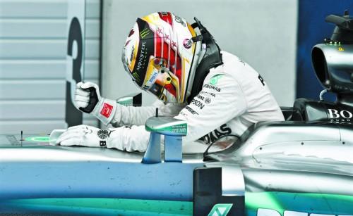 Emotionales Ende für Lewis Hamilton beim Grand Prix in Spielberg: Der Crash mit Nico Rosberg in der Schlussrunde strapazierte auch das Nervenkostüm des Weltmeisters.