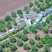 Frontalzusammenstoß zweier Züge in Italien fordert viele Tote