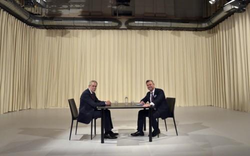 Hofer und Van der Bellenstehen vor dem nächsten Wahlkampf.