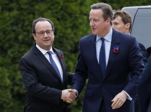 Hollande und Cameron gedachten gemeinsam der Opfer.