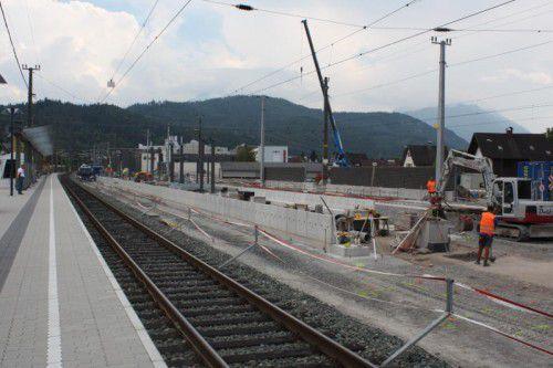 In den kommenden Wochen werden die Bahnsteigdächer für den Inselbahnsteig in Rankweil geliefert und montiert.
