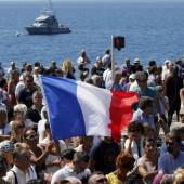 Tausende gedenken Opfer von Nizza