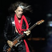 Aerosmith-Gitarrist Joe Perry kollabiert