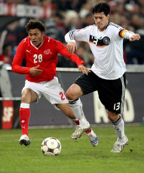 Johan Vonlanthen (Schweiz): 18 Jahre, 141 Tage am 21. Juni 2004 im Vorrundenspiel Frankreich – Schweiz (3:1)