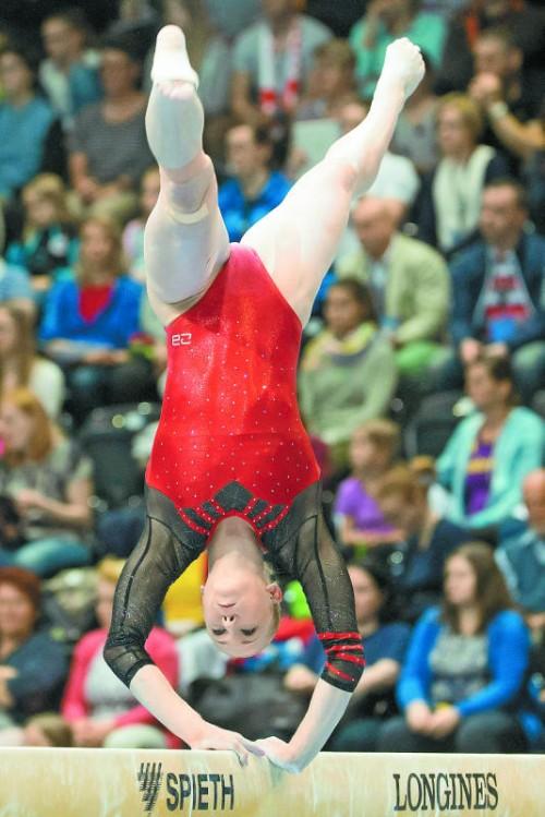 Lisa Ecker holte Medaillen an jedem Gerät.