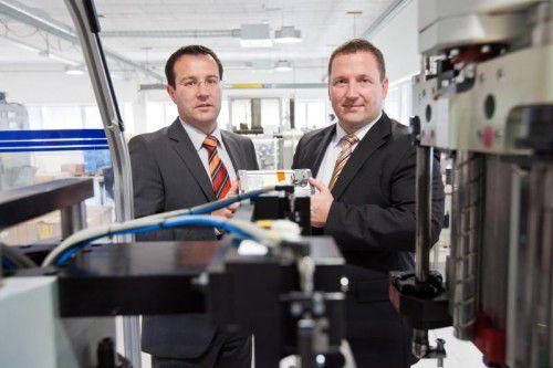Norbert Eckmayer und Reinhard Robitschko (r.) sind mit der Entwicklung bei Thien eDrives zufrieden.