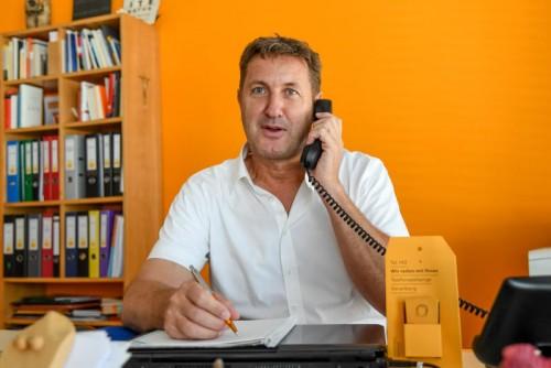 Sepp Gröfler und seine Mitarbeiter geben am Telefon ihr Bestes.vN/lerch