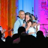 Obama singt für seine Tochter zum Geburtstag