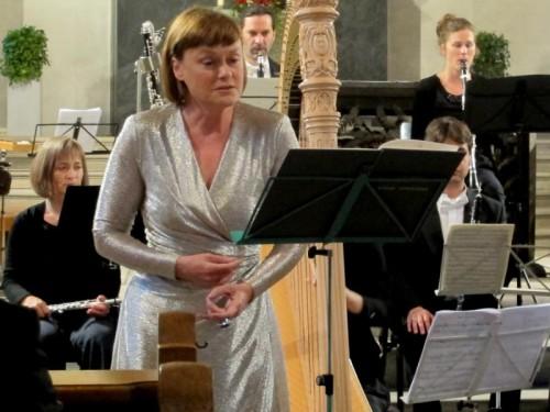 Vesselina Kasarova mit dem Arpeggione-Orchester.