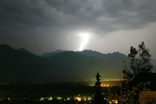 Wenn hoch oben Blitze krachen, sollte man zu Hause bleiben.