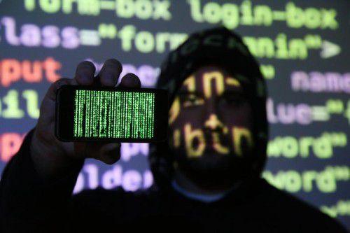Cyberkriminelle operieren international, die Verfolgung ist schwierig.  HB