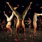 Herkömmliche Zirkuskunst neu und puristisch definiert