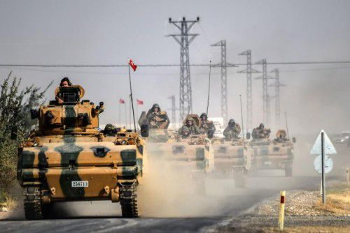 Die Türkei setzt ihre Offensive in Syrien fort.Vorwürfe, dass vorrangig die Kurdenmiliz YPG Angriffsziel sei, werden zurückgewiesen.