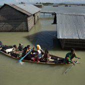 Über 120 Tote durch Überflutungen in Indien