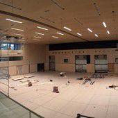 Letzte Arbeiten an Rankweils Sporthalle