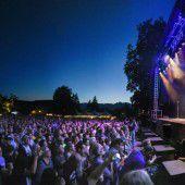 Rockin All Over The World hieß es mit Status Quo und etwa 5000 Fans in Rankweil