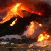 Waldbrand noch nicht gelöscht