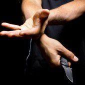 Delinquent mit bipolarer Störung muss in Anstalt