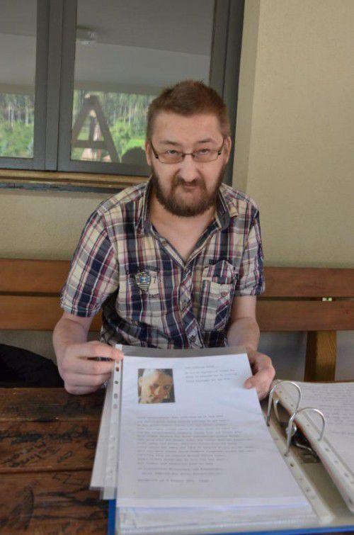 Michael Willi schreibt liebevolle Briefe an seine toten Söhne Geron und Lukas. Deren Bruder liegt nun schwer krank im Spital.