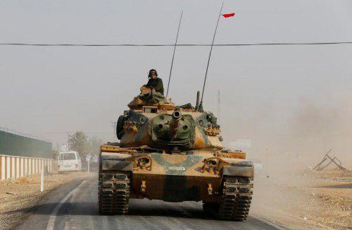 Türkische Panzer waren über die Grenze gerollt.
