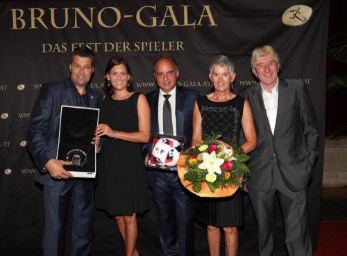 Von links: Gernot Zirngast (VDF), Raphaela Pezzey, Hans Müller, Sylvia Pezzey and Rudolf Novotny.
