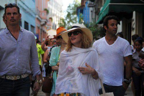 Zum 58. Geburtstag ging Madonna in Havanna shoppen und tanzen. Fans und auch Staatsmedien feierten ihren Besuch enthusiastisch.