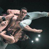 Atemberaubende Akrobatik im Freudenhaus