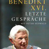 Papst Benedikt XVI. zeigt sich selbstkritisch