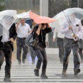Taifun sorgt in Japan für Überschwemmungen