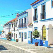 Häuser in Blau und Weiß