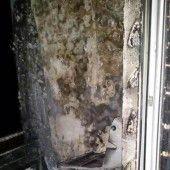 Brennende Matratze bringt auf Balkon Gasflasche zur Detonation