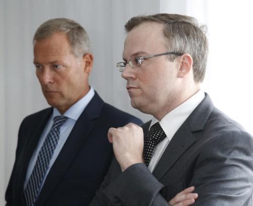 Der ehemalige freiheitliche Landesrat Harald Dobernig (r.)mit seinem Anwalt Leopold Wagner. Foto: APA