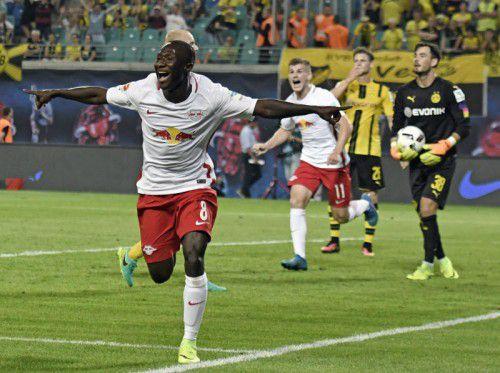 Ex-Salzburg-Spieler Naby Keita traf nach seiner Einwechslung zum vielumjubelten 1:0-Sieg von RB Leipzig über Borussia Dortmund. Foto: ap