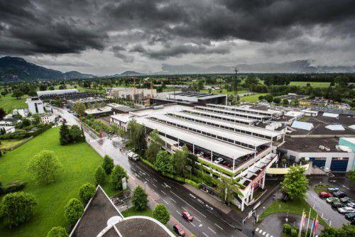 Die dunklen Wolken über dem Messepark irritieren das Management nicht: Man schaue nach vorne.VN/Steurer