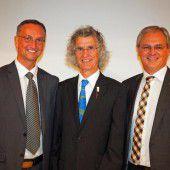 Ludesch verleiht Ehrenring an den Arzt Klaus Zitt