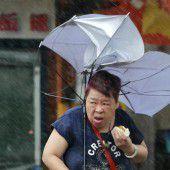 Vier Tote und 160 Verletzte durch Taifun