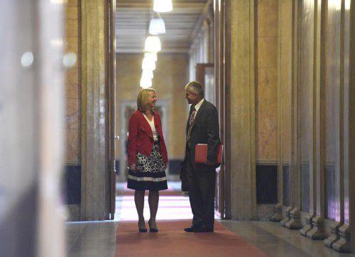Nationalratspräsidentin Bures (SPÖ) leitete die Parteienberichte an Verfahrensrichter Pilgermair weiter. Foto: APA