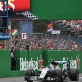 Rosberg geht auf Rang eins los