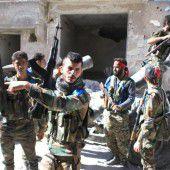 Aleppo versinkt im Bombenhagel