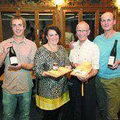 Käse und Wein sorgten für Gaumenfreuden