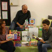 Bücher sagen Willkommen in Lustenau