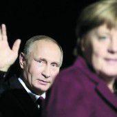 Deutsche Kanzlerin Merkel trifft Kremlchef Putin in Berlin