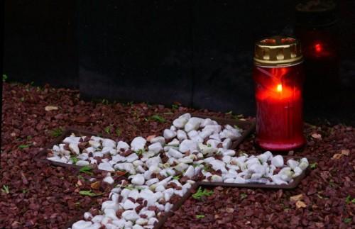 Zur Trauer um den Verstorbenen müssen sich Hinterbliebene mit den rechtlichen Seiten des Todes auseinandersetzen. Ein Testamt schafft diesbezüglich Klarheit.