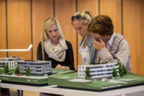 Aktuelle Bauprojekte werden vorgestellt.  Foto: VN/Steurer