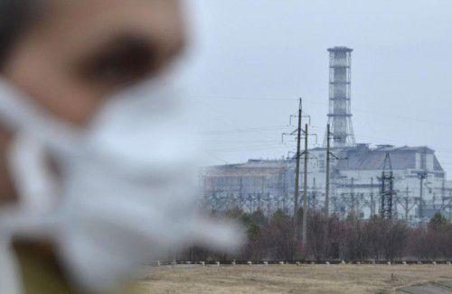 Ansicht des vierten Reaktorblocks des Atomkraftwerks Tschernobyl, das im Jahr 1986 explodierte. Foto: AP