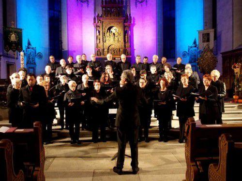Auch Hanno Loewy, Direktor des Jüdischen Museums, sang im Kirchenchor St. Karl mit.  Foto: JU