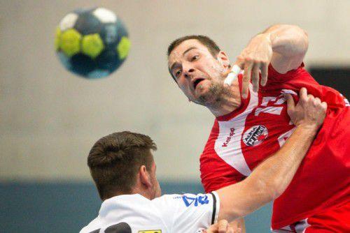 Auf Marko Tanaskovic und seine Roten Teufel vom Bodensee wartet heute mit Minsk eine schwere Aufgabe im EHF-Cup. Foto: sams